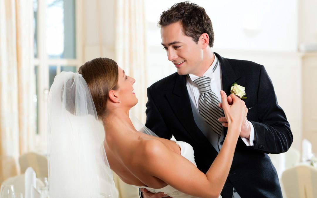 Der perfekte Hochzeitstanz – Walzer oder Freestyle?