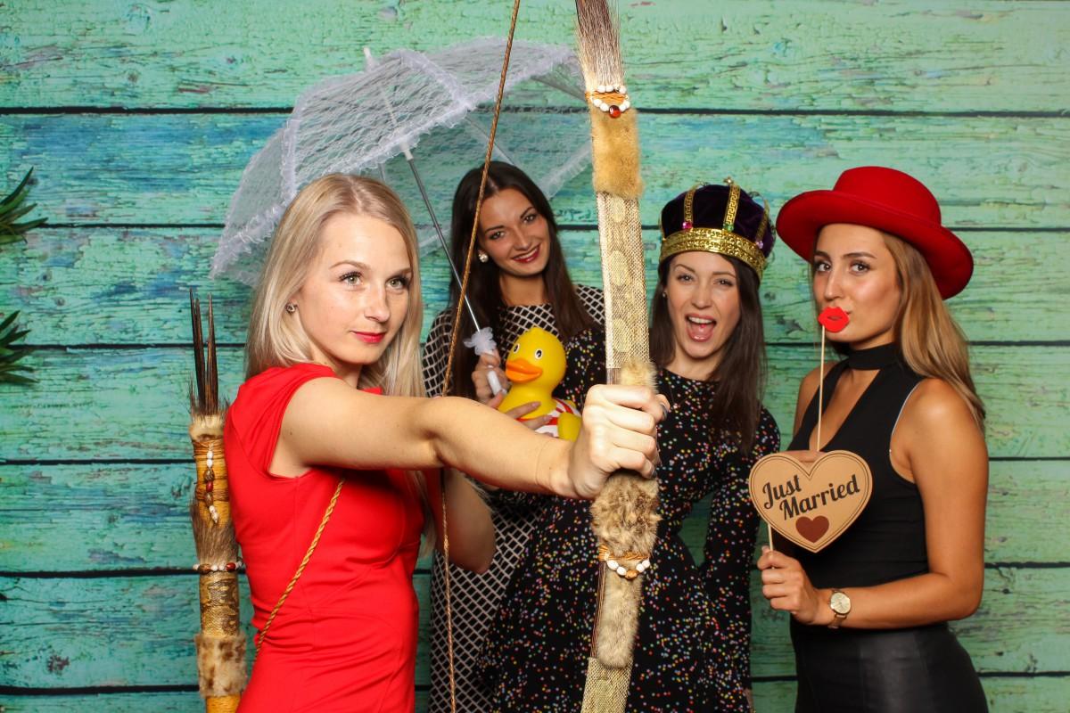 Fotobox, Fotograf oder selber machen: So gelingen die Bilder eurer Hochzeit
