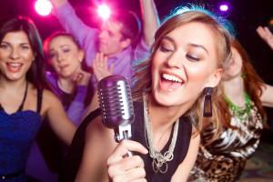 DJ plus Karaoke-Anlage: perfekte Party-Kombi