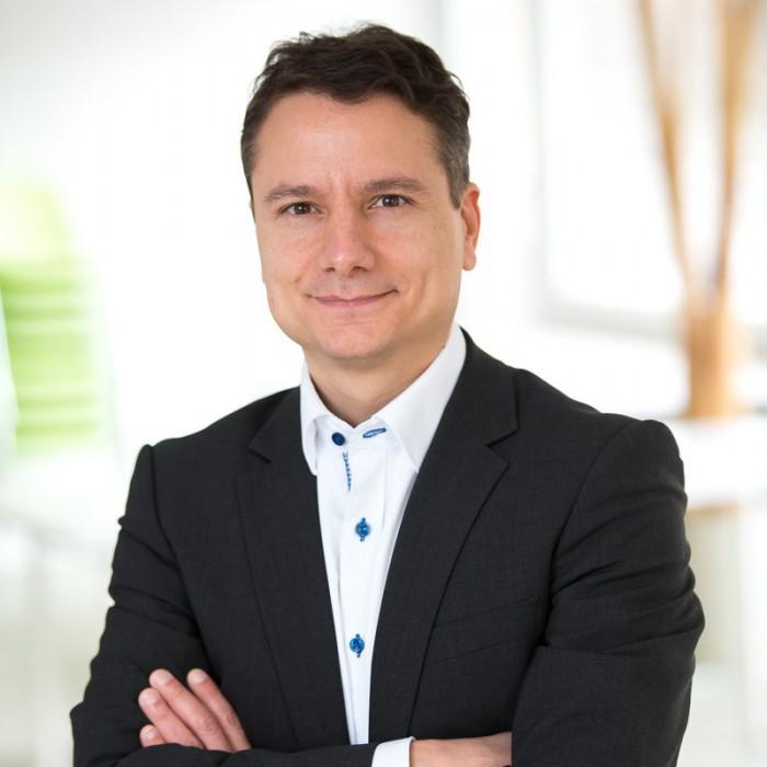 Armin Molla (Virado)