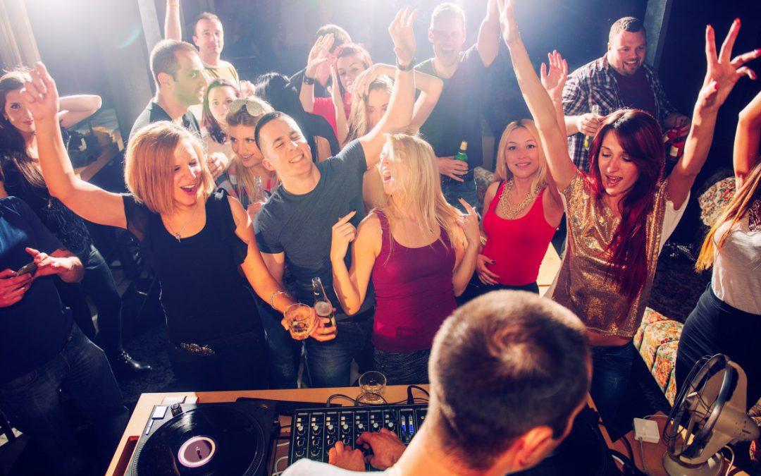 Abiball-Musik: Die wichtigsten Tipps und wieso ihr einen DJ braucht