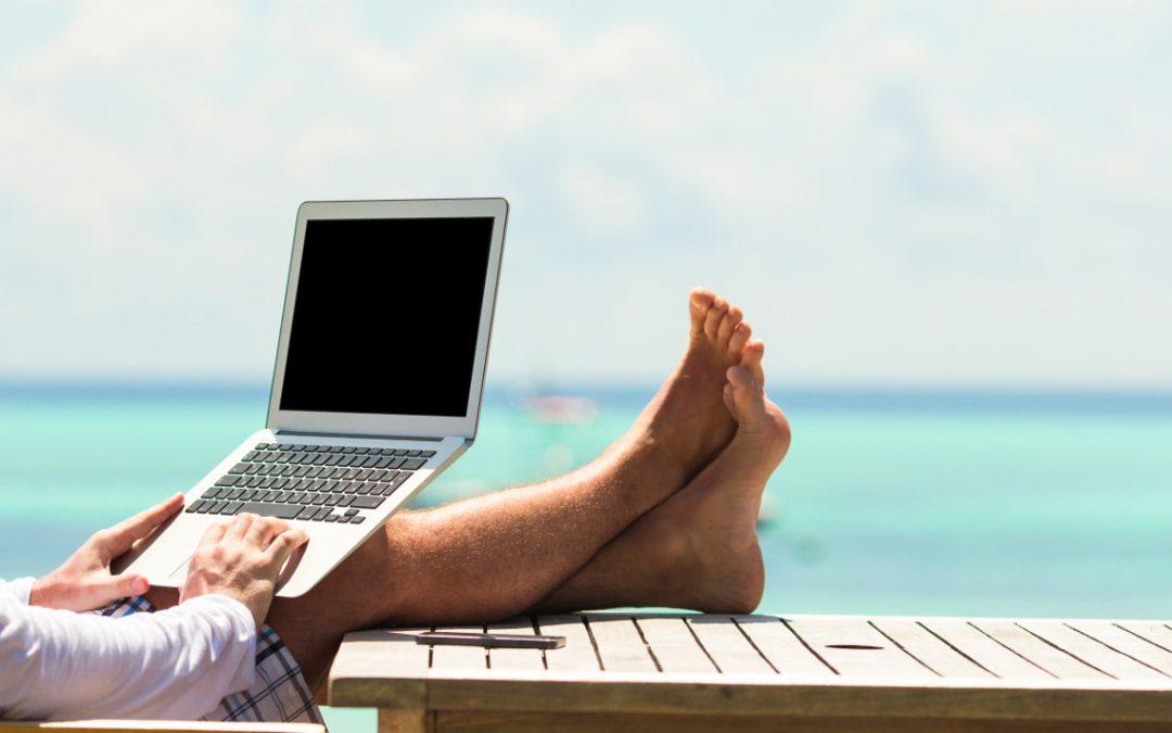 Digitale Nomaden: weltklassejungs arbeitet standortunabhängig