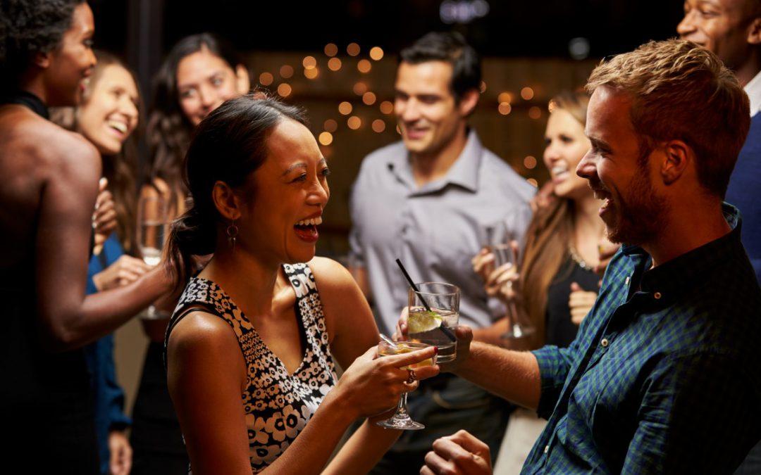 Party vom Feinsten: So findet ihr den richtigen DJ für eure Betriebsfeier