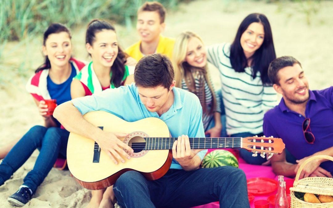 Mitsingparty organisieren: Das braucht ihr für einen Karaoke-Abend